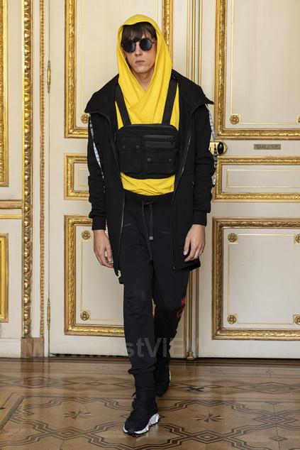 Желтый костюм на Paris Fashion Week от Freak-butik